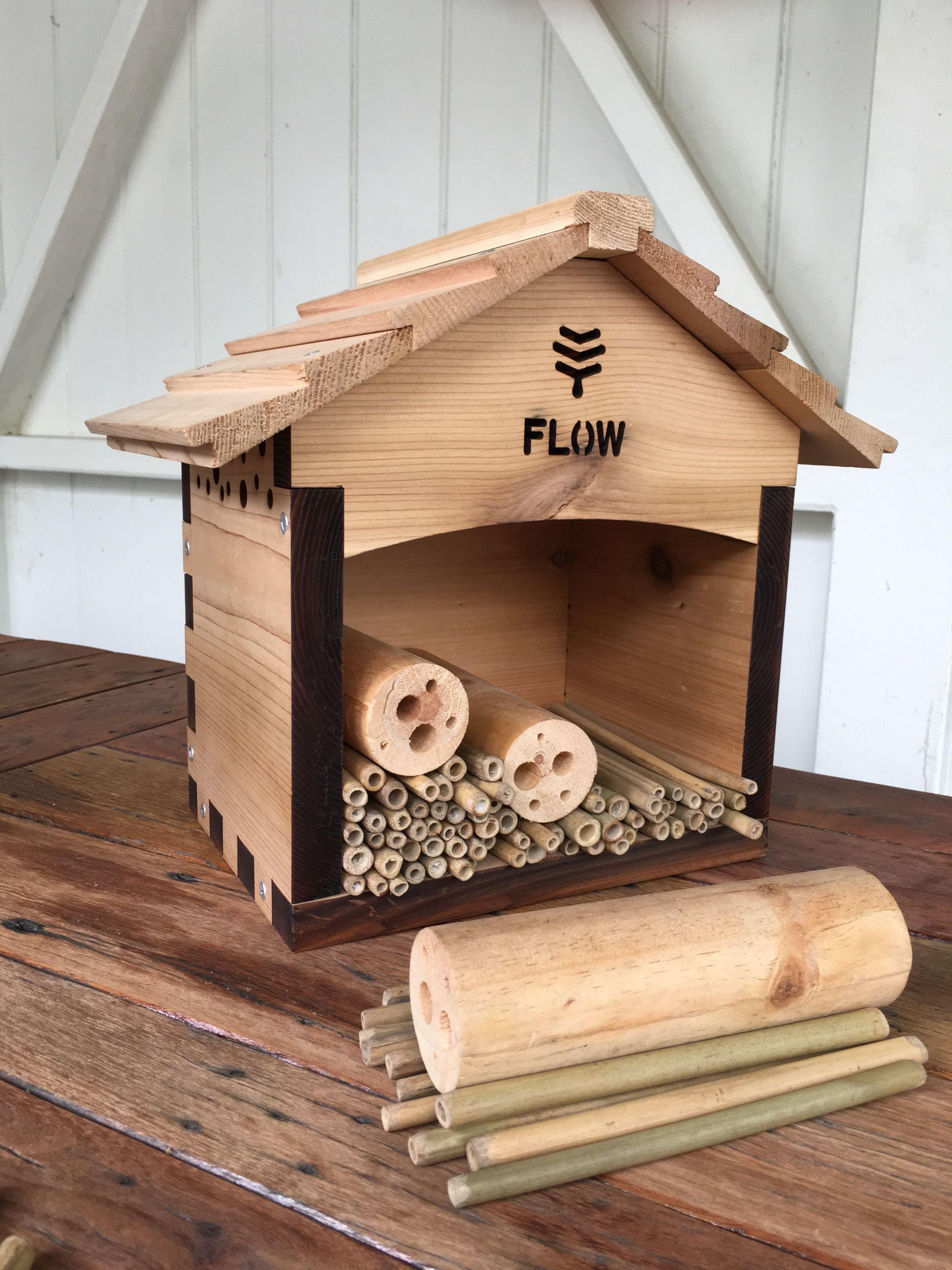Construction, position & maintenance of the pollinator house